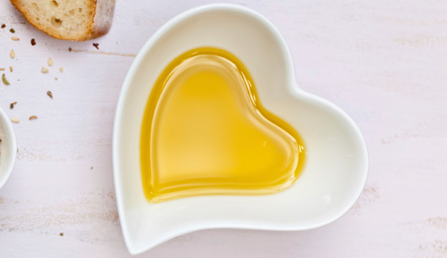 heart-olive-oil-628x363-TS-163749176