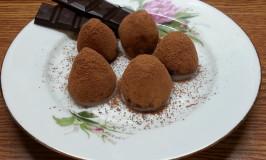 Трюфель из шоколада со стевией.