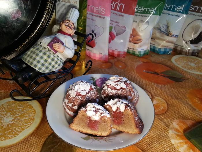 Кексы миндальные с клубникой и чиа.(1)