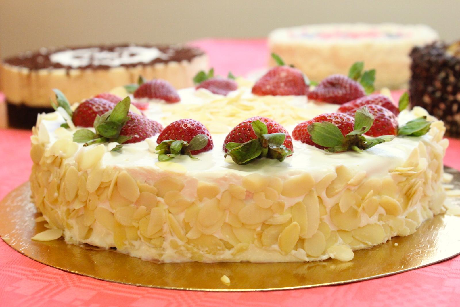 Торты и пирожные на заказ от LCHF.RU