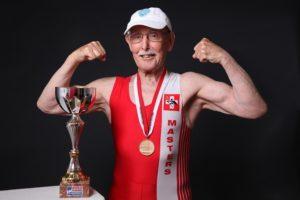 Что ест и как тренируется «самый здоровый старик в мире»?