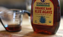 blue-agave-syrup-and-measuring-cup