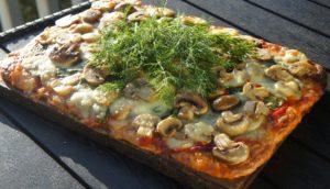 Пицца со шпинатом и грибами