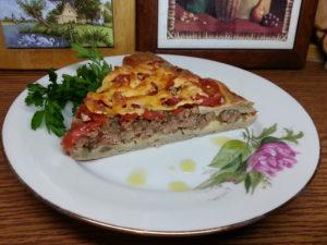 Пицака с мясом и сыром