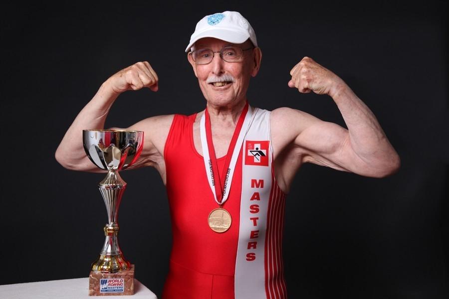 """Что ест и как тренируется """"самый здоровый старик в мире""""?"""