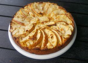 Яблочный пирог с миндалём