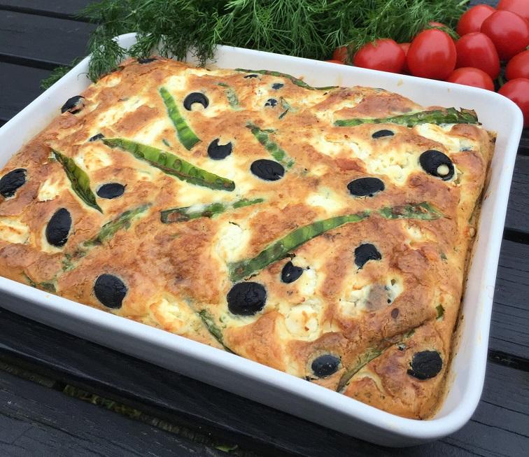 Запеканка с фетой и маслинами